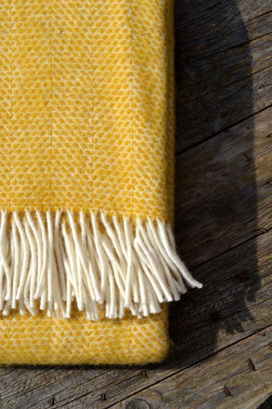 Alantic Blankets Buttercup Honeycomb Close image