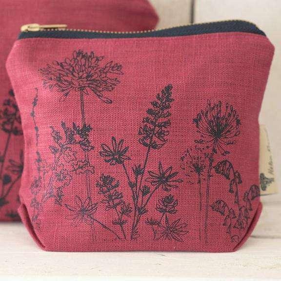 HELEN-ROUND-make-up-bag-raspberry-Garden-Collection