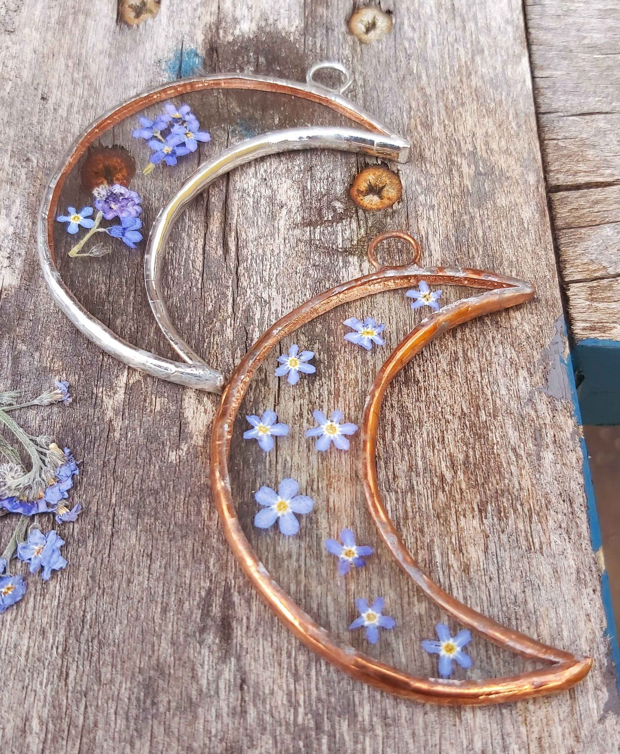 forget me not moon frame