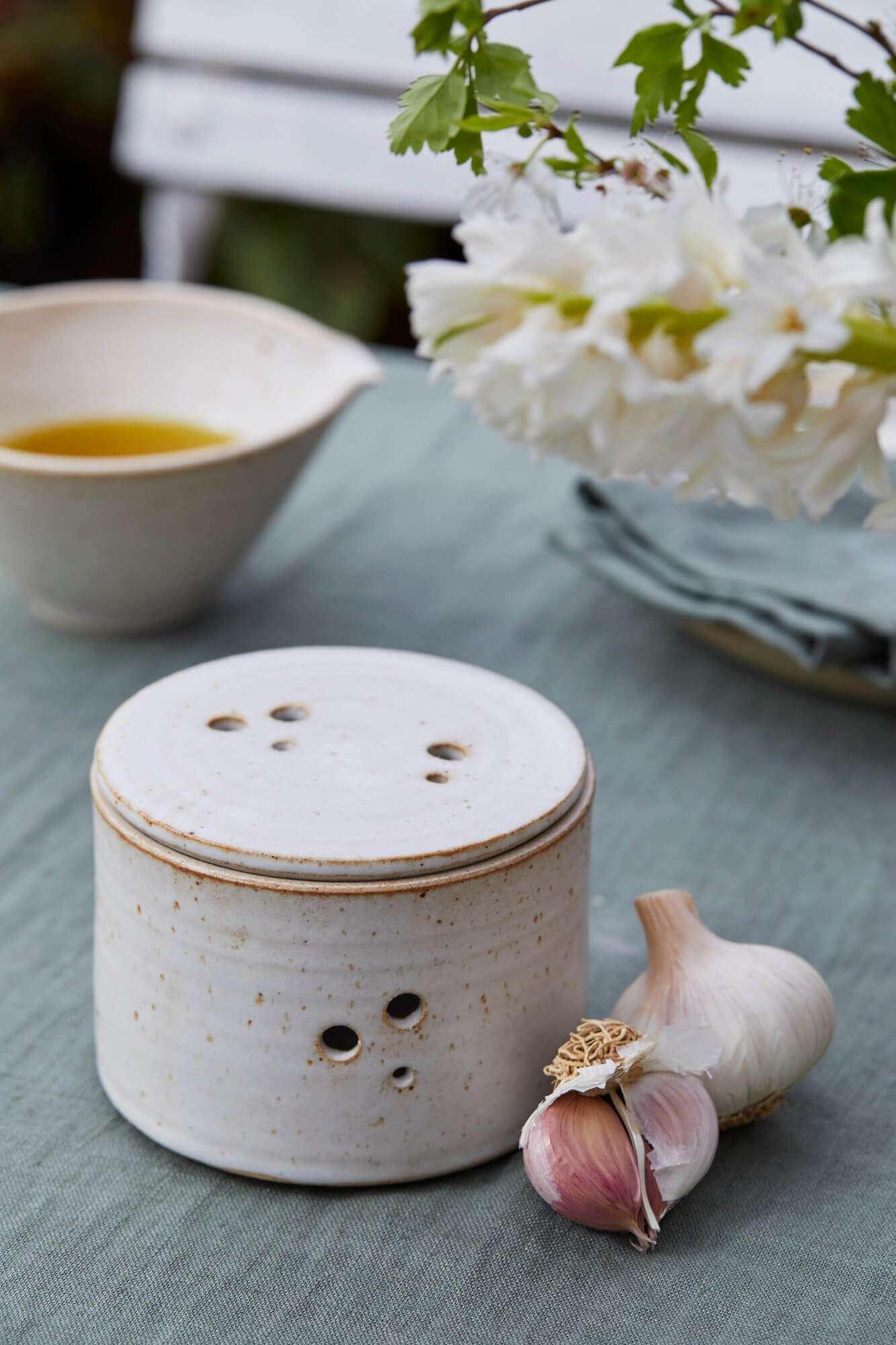 Speckled Stoneware Clay Garlic Pot