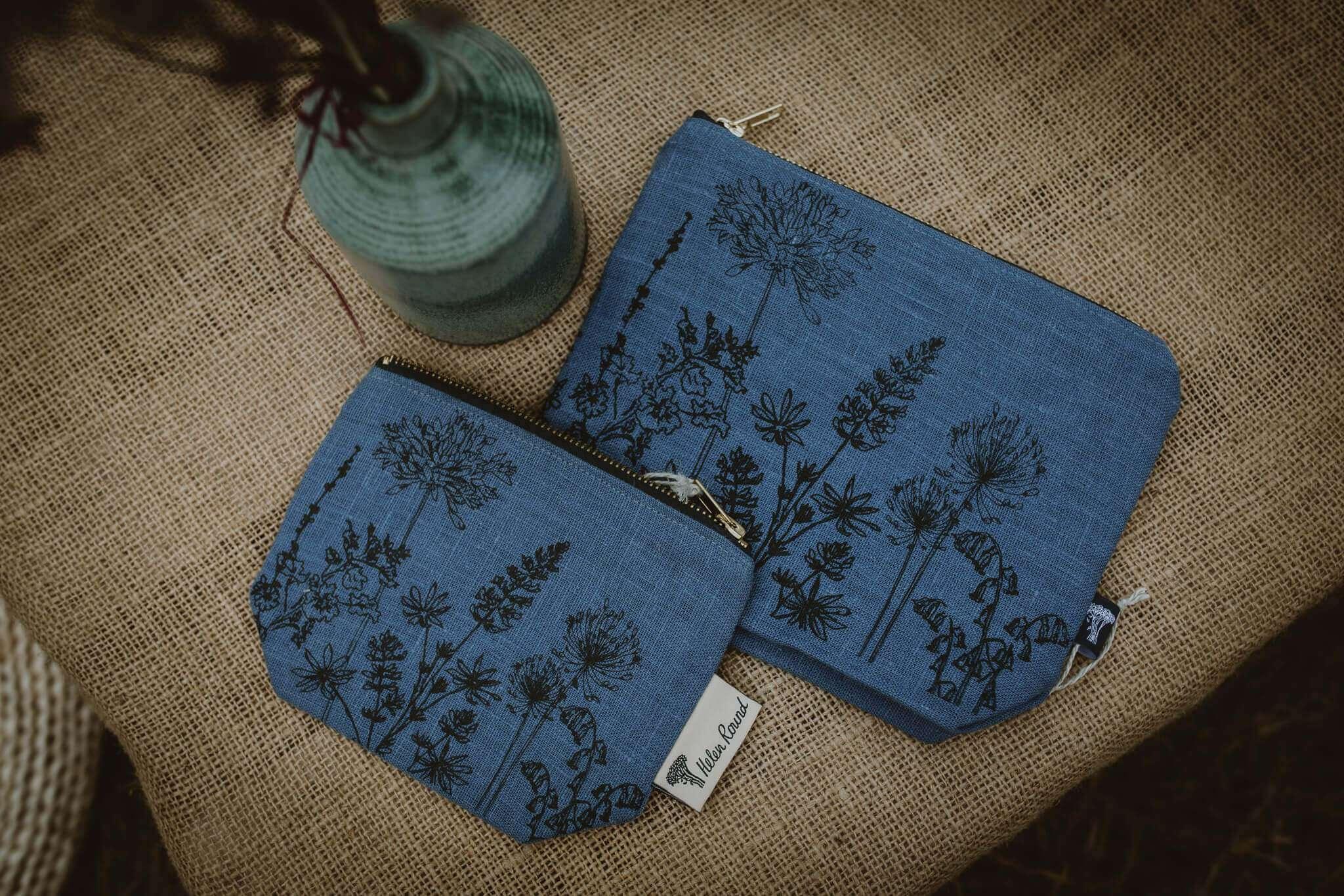 hr dark blue washbags for comparison
