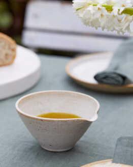 olive oil pourer main