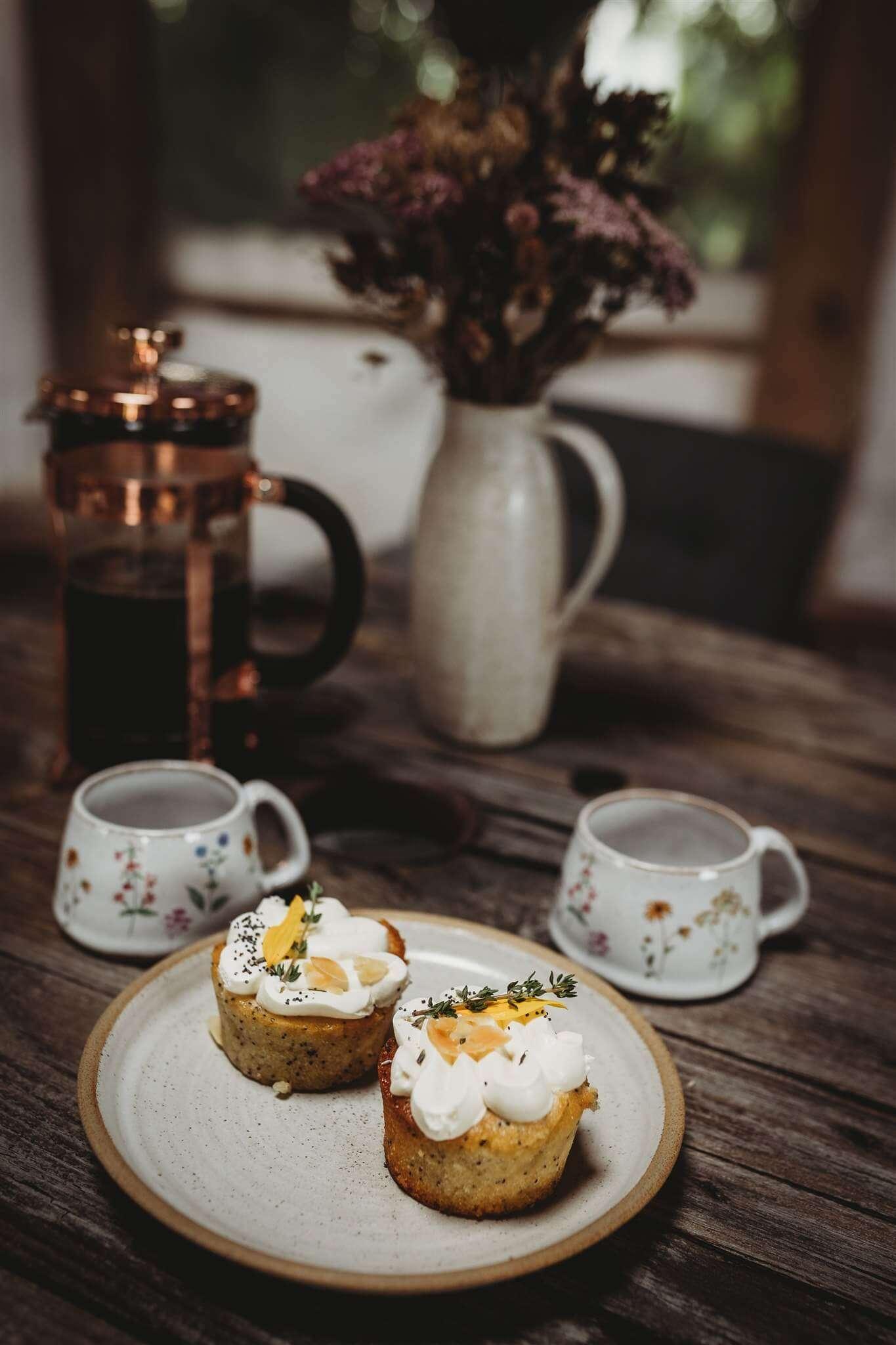 small wildflower coffee cups mood shot